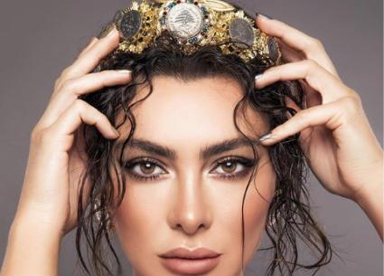 """""""ليرتنا قوتنا""""..ستيفاني صليبا تدعم العملة اللبنانية عن طريق الموضة"""