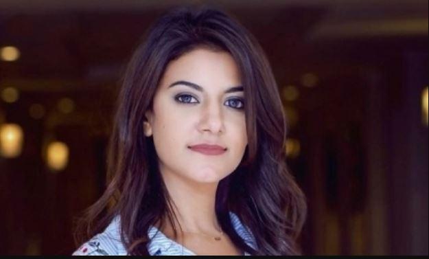 فيديو- دندنة ياسمين علي لأغنية شيري عادل
