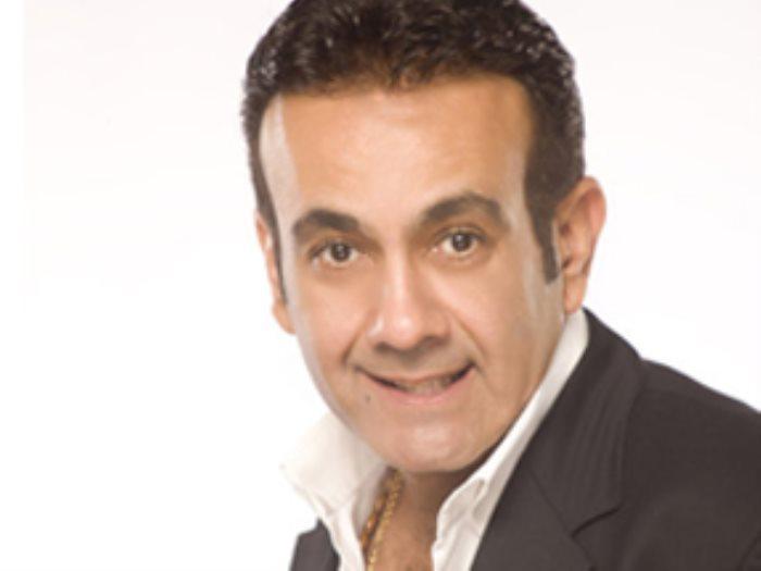 أسامة منير ينتقد تقليد الشباب لأحمد السقا
