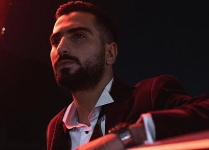 محمد الشرنوبي يعلق على صورته مع هلا رشدي