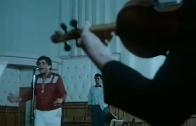 """ذكرى وفاة محمود عبد العزيز.. أغنية """"يا حلو بانت لبتك"""""""