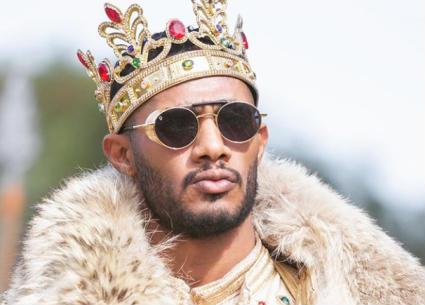 """محمد رمضان """"مافيا"""" بعد تسلمه جائزة النجم الأكثر جماهيرية في إفريقيا"""