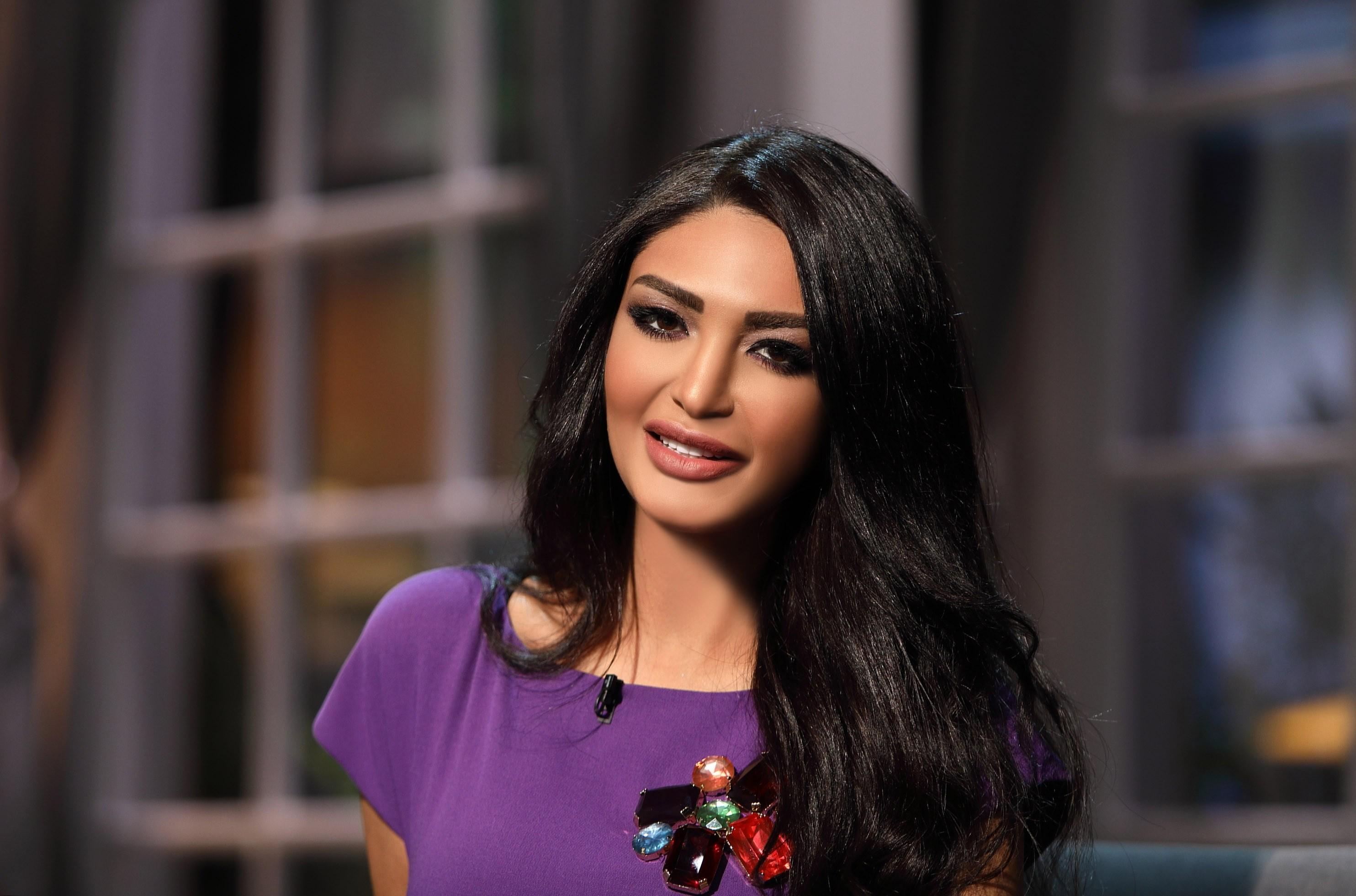 """سالي عبد السلام تنتقد """"عوانس"""" شيرين عبد الوهاب"""