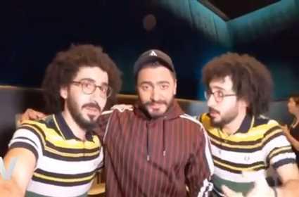 """تامر حسني يتعرض لموقف طريف خلال عرض """"الفلوس"""" في دبي"""