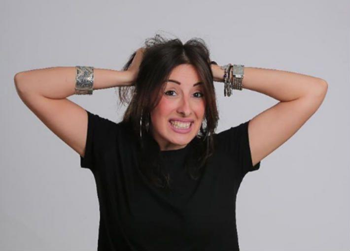 جيلان علاء تتحدى البرد بفيديو ساخر