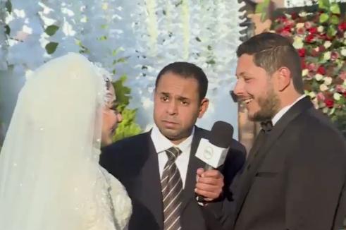 بمناسبة عيد الحب... زوجان يعيدان الاحتفال بزفافهما
