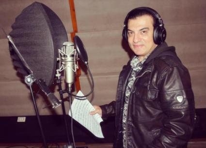 """""""أبويا وأمي""""...إيهاب توفيق يشوق الجمهور بمقطع من أغنيته الجديدة"""