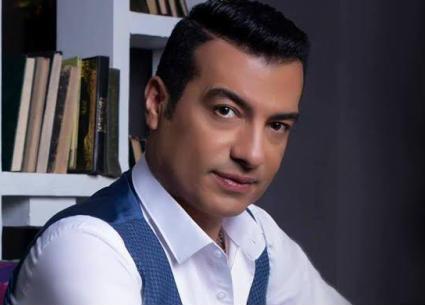 """إيهاب توفيق: أغنية """"أبويا وأمي"""" تعبير عن إحساسي بعد فقدهما"""