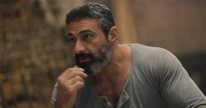 ياسر جلال يطمئن الجمهور على حالته الصحية