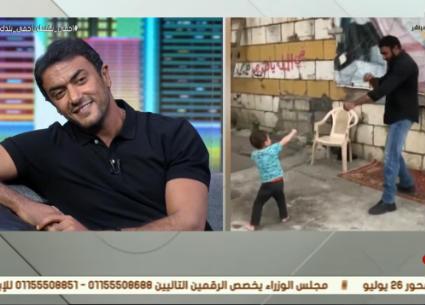 قصة طفل قابله أحمد العوضي على الحدود السورية اللبنانية