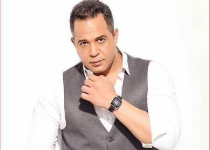 مصطفى درويش يشكر كل من اهتم بحالته الصحية