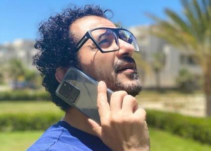 أحمد حلمي يغني راب في حملة دعائية جديدة