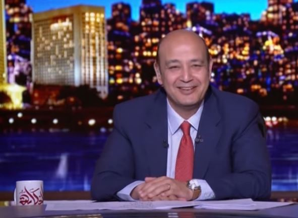 شاهد- موقف طريف بين عمرو أديب وفريق الإعداد على الهواء