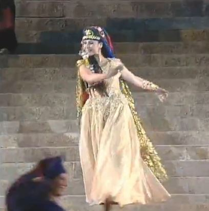 مشاهد مميزة- استعراض مسرحي لكارول سماحة 1999