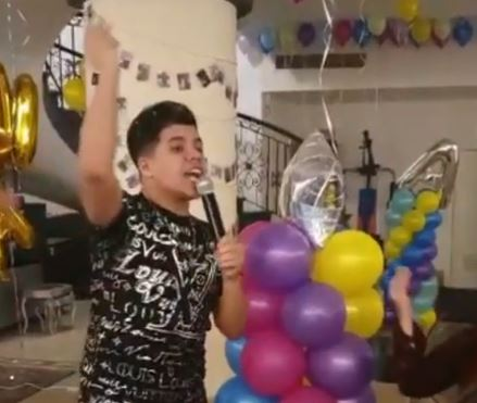 فيديو- عمر كمال في حفل عيد ميلاد خطيبة أحمد سعد