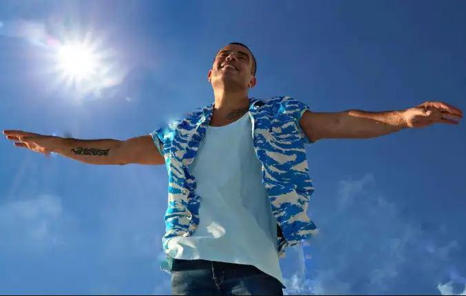 """فيديو- عمرو دياب ودينا الشربيني يرقصان مع """"يا بلدنا يا حلوة"""""""
